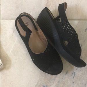 Black Clark's comfort sandal